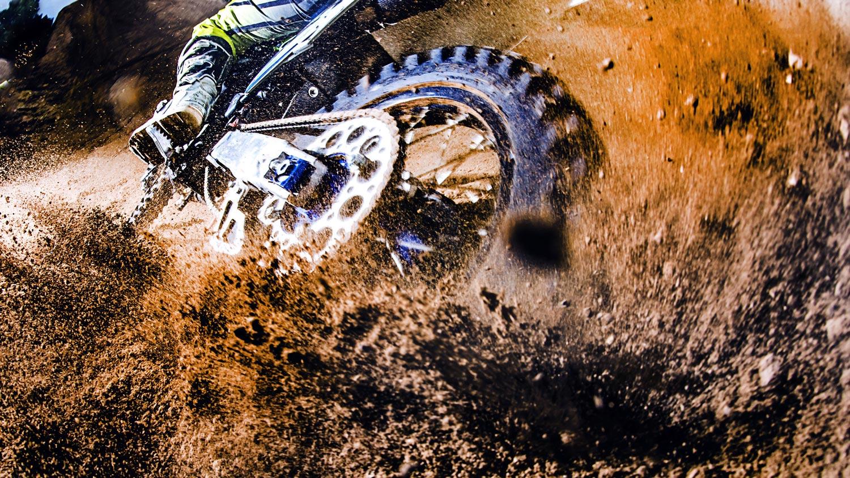 motocross mud 16 9 1500px